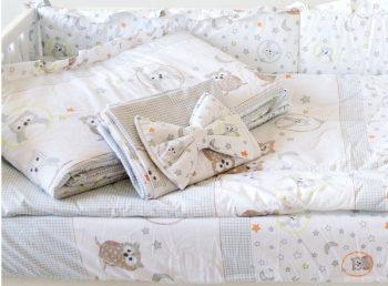 Mama Kiddies Sofie Dreams 4 részes babaágynemű 180°-os rácsvédővel baglyos mintával fehér színben