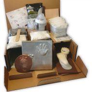 Lacy Box 20 részes ajándékszett cumisüveggel, melltartó betéttel és babaemléktárgy készítő kiegészítőkkel